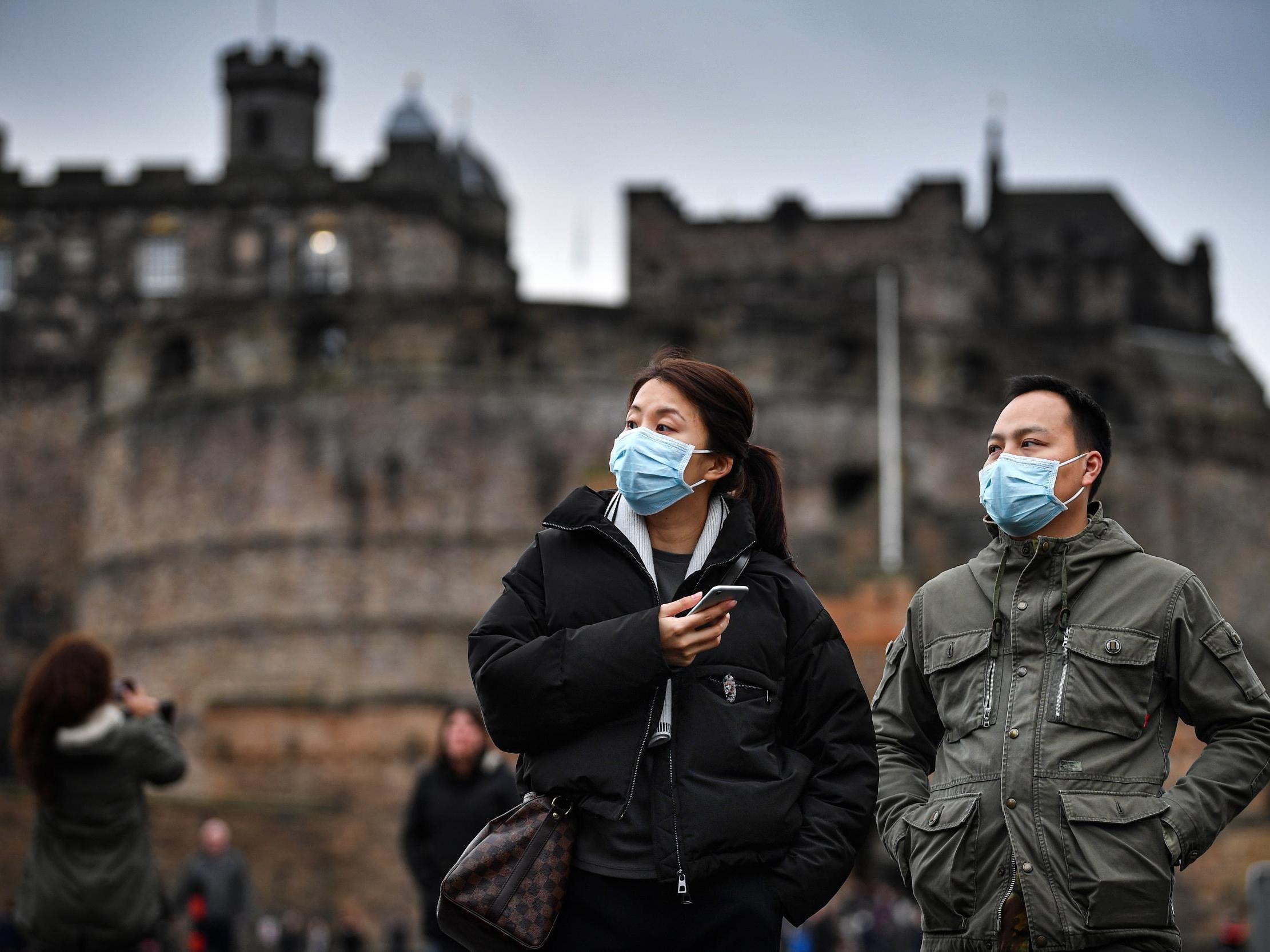 Снимаем маски: стоит ли опасаться коронавируса и какова реальная ситуация с аптеками?