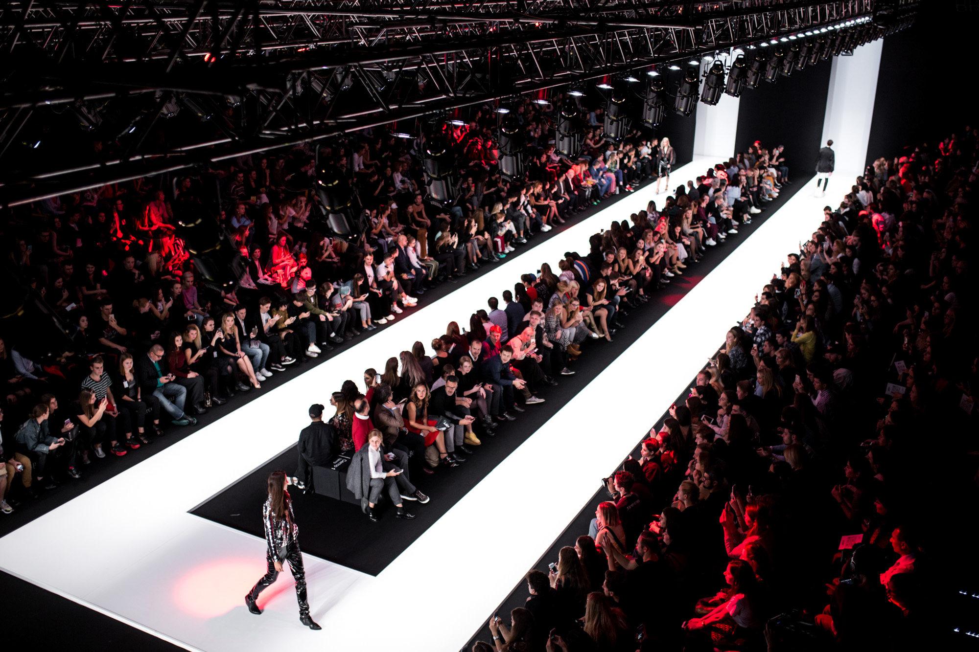 #Stayhomeinfashion: впервые Недели Моды прошли в онлайн-формате