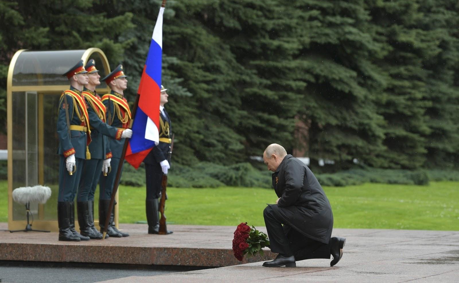 Коррективы пандемии: как Москва встретила день Победы