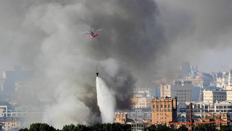 В Хамовниках локализовали пожар на складе пиротехники