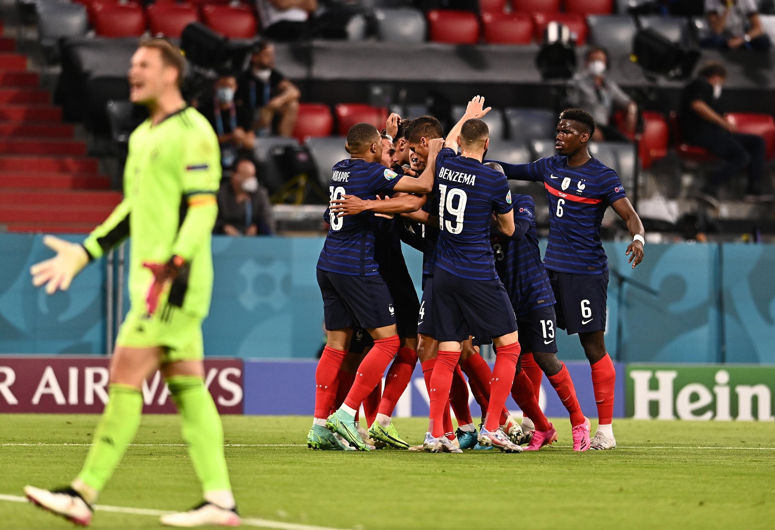Сумасшедший матч Франции и Германии: Рюдигер укусил Погба, Хуммельс забил автогол