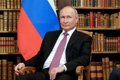 Владимир Путин сообщил о возвращении послов России и США