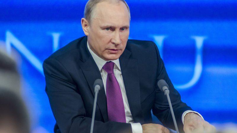 Путин отклонил закон об ответственности СМИ за фейки