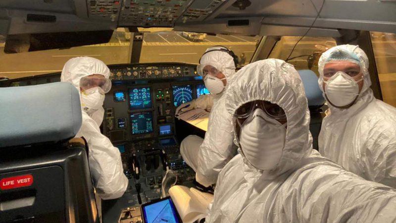 Ведомости: профсоюз пилотов попросил Мишустина допустить в РФ иностранные вакцины