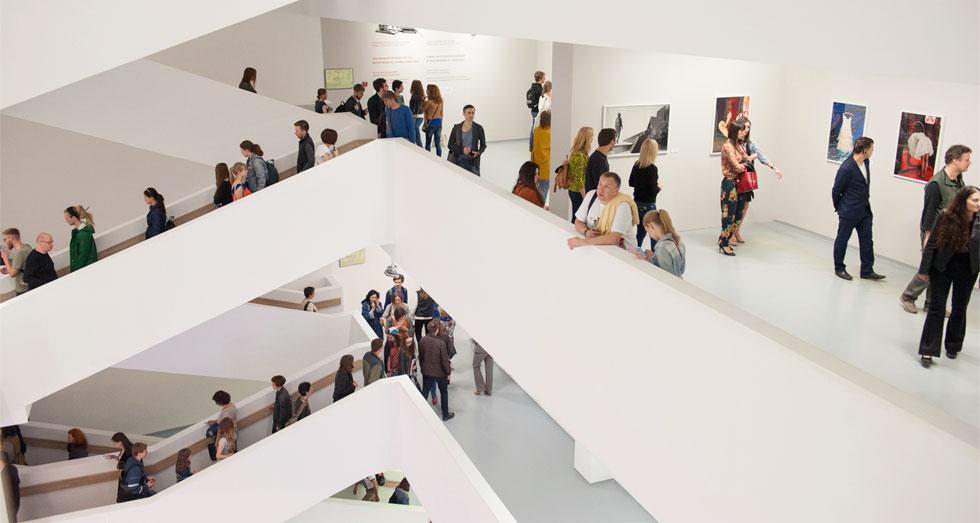 Мода объединяет мир в Мультимедиа Арт Музее