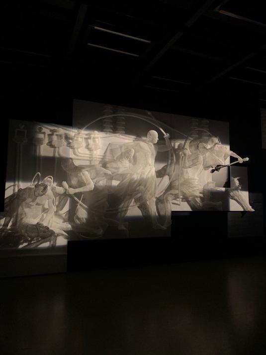 Самая современная выставка современного искусства проходит в «Манеже»
