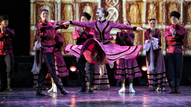 """«Национальное шоу балета """"Кострома""""» отправляется в масштабное путешествие"""