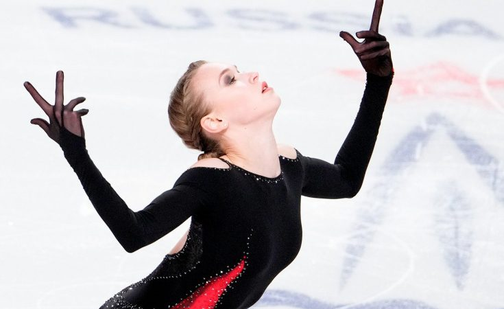 15-летняя Майя Хромых победила трехкратную чемпионку России по фигурному катанию Анну Щербакову